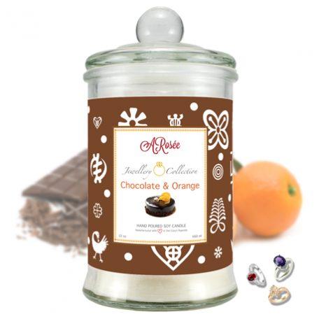 """Vonná svíčka ARosée Jewellery Collection """"Chocolate & Orange"""" s vůní luxusní tmavé hořké čokolády a pomeranče je vyrobena z 100% přírodního sójového vosku."""